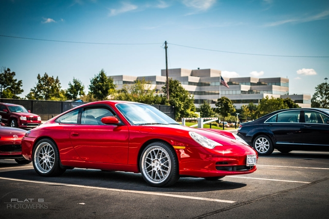 996 Carrera looking sharp in Guards Red