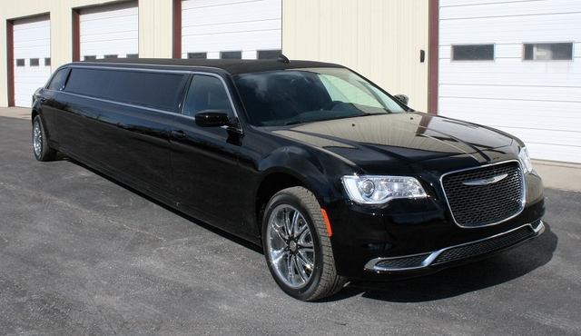 "160"" Chrysler 300"