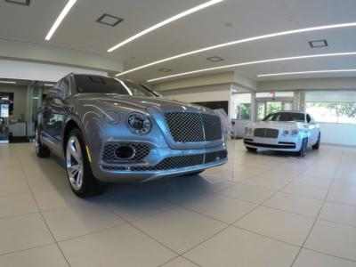 2017 Bentley Bentayga W12 AWD - Click to see full-size photo viewer