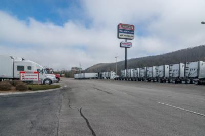 2019 Freightliner M2 106  - Click to see full-size photo viewer