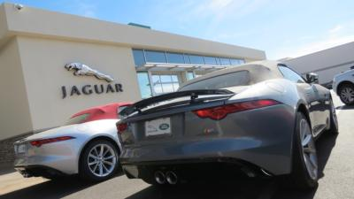 2018 Jaguar F-TYPE F TYPE R CPE 2DR CPE AT R AWD - Click to see full-size photo viewer