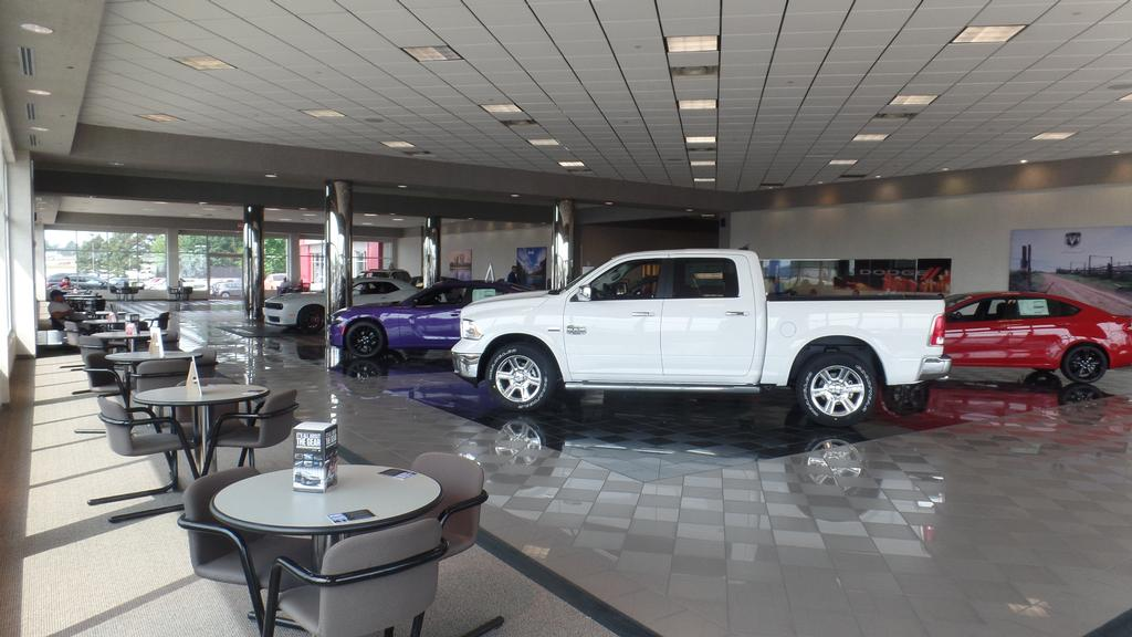 2013 Toyota Tundra Double Cab 5.7L FFV V8 6-Spd AT (Natl) - 17384171 - 26