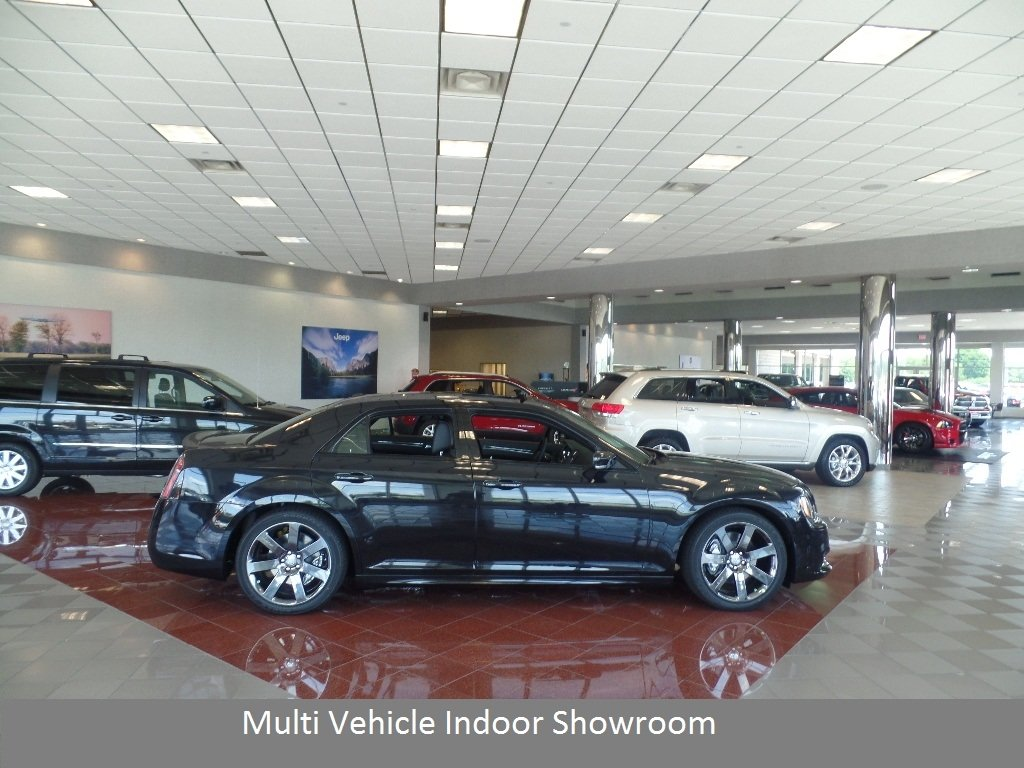 2014 Chrysler 300 4dr Sedan 300S RWD - 16545366 - 25