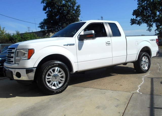 Ford F150 XLT Lariat Ext Cab 4X4