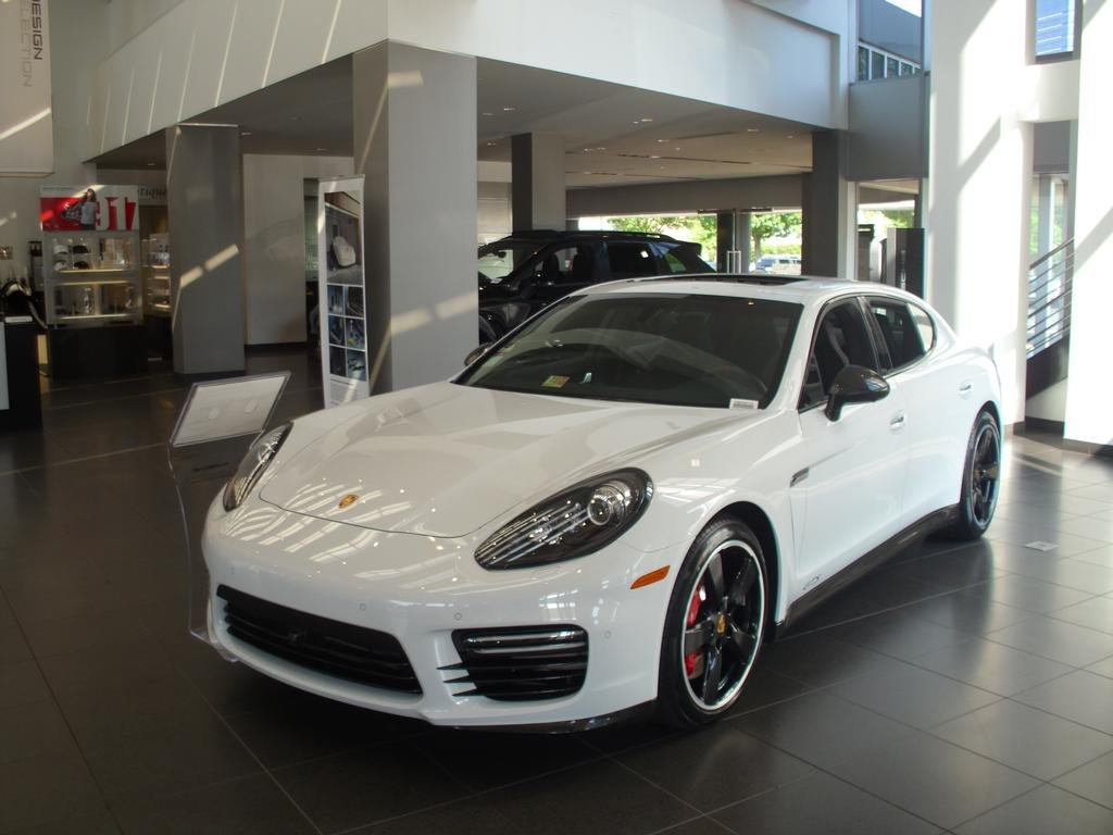 2018 Porsche Panamera Turbo S Executive E-Hybrid - 18256053 - 32
